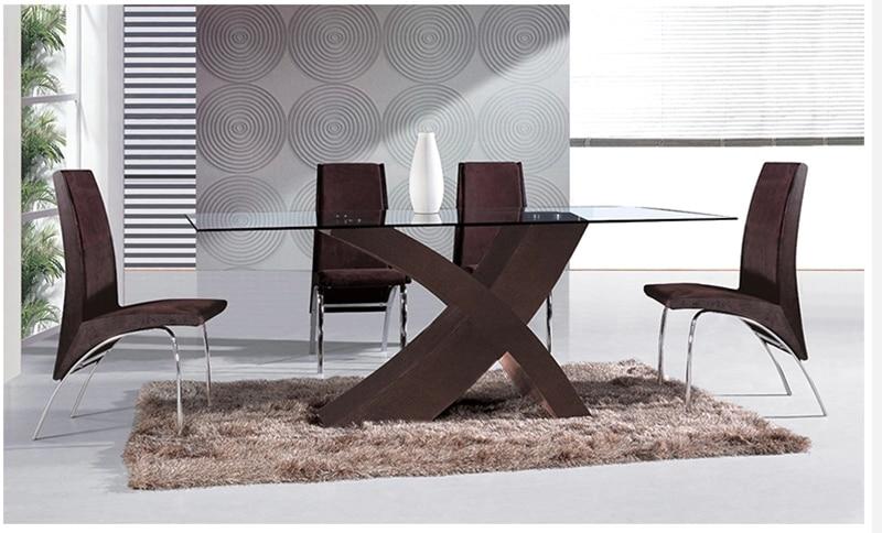 Sillas para comedor elegantes for Modelos de mesas de comedor modernas