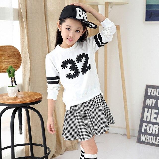 Spring Summer 2017 New Baby Girl Clothes Set Children Kids Cotton Figure Shirts+ Swallow Gird Skirt 2pcs Long sleeve Sets
