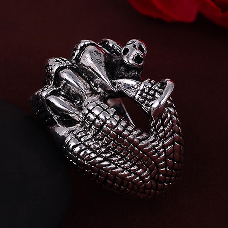 2016 Punk Vintage Trend Mans Ring Gothic Mens Horror Claw Biker Zinc alloy Ring Man fashion rings Free shipping sa1049