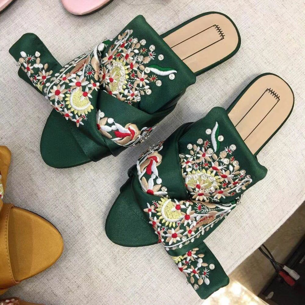 Women Flat New Style Silk Embroidered Beaded Embroidery Beads Water Drill Flat Bottomed Bow Tie National Tide цены