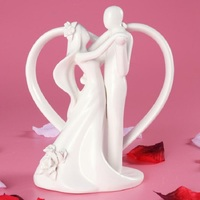 Romantic Wedding Dancing Bride and Groom Couple With Heart Arch Ceramic Cake Topper Wedding Figurines Party Favor Free Shipping