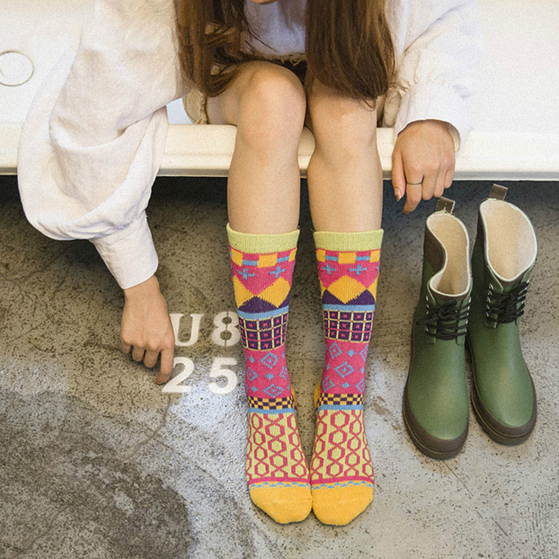 Woman Autumn&Winter Retro Vintage Thick Merino Wool   Socks   Geometric Pattern Novelty Christmas Ethnic Totem Style   Socks