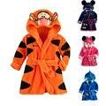 UNIKIDS Moda Designs Com Capuz Modelagem Animal Do Bebê Roupão de Banho Do Bebê Dos Desenhos Animados Caráter Toalha Crianças Roupão De Banho Infantil Toalhas De Praia