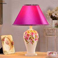 Modern Carved Vase Resin table lights Bedroom deco Desk Lamp Fashion Luminaria Home deco maison lighting fixtures LED lamparas