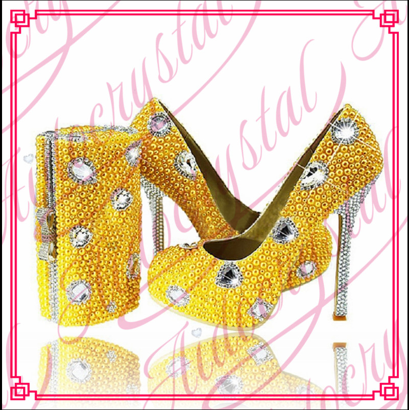Aidocrystal 2017 new fashion lady pearl diamond shoes and bag set Handmade yellow Shoes And Bag Matching aidocrystal heart shape factory direct sell fashion woman diamond clutch for lady