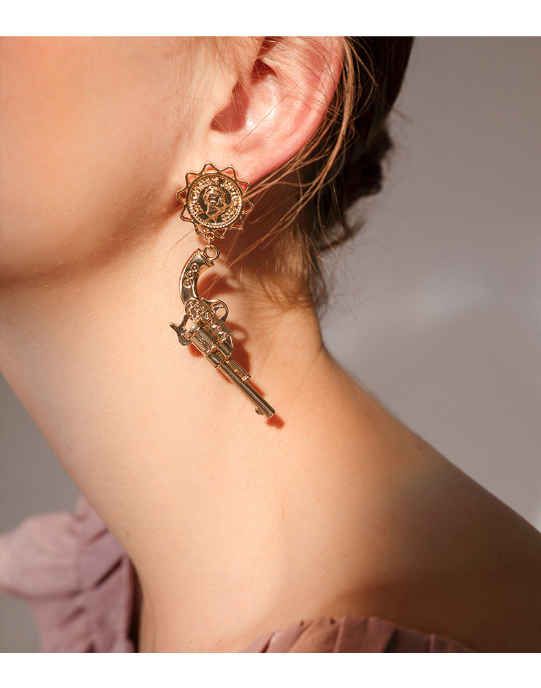 Personality Cool punk baroque Brilliant Head Pistol dangle earrings bohemian drop jewelry indian big earrings in Drop Earrings from Jewelry Accessories
