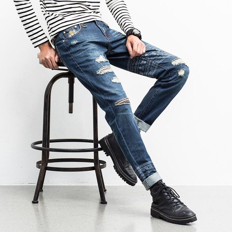 ФОТО High Quality Bikers Jeans Men New Fashion Skull Printed Men Ripped Jeans Mid Waist Slim Fit Denim Pants Men Casual Trousers Blue