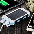 Nueva 8000 mah Cargador Solar de Batería Externa Powerbank Banco de la Energía Solar A Prueba de agua de Doble Puerto USB para el Teléfono Inteligente Con la Luz LLEVADA lámpara