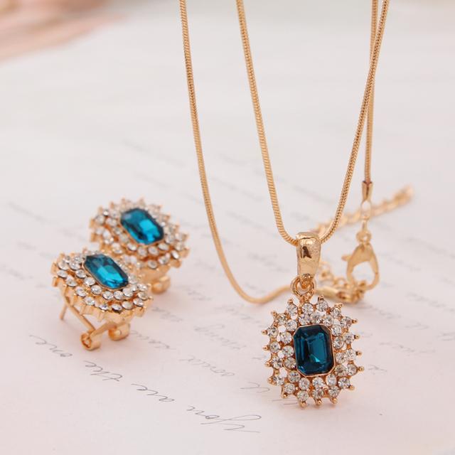 Women Gold Plated Rhinestone Jewelry Set
