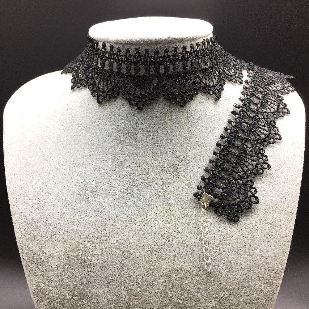 07f511ae22 Venda quente colares gargantilha Sexy oco out black lace gargantilha colar  Curto do punk vintage Gargantilha Colares Para As Mulheres 2016