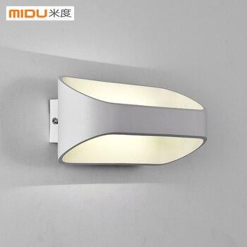 الحد الأدنى الحديثة وحدة إضاءة LED جداريّة مصباح أباجورة شرفة درج مصباح شخصية الفن الإضاءة غرفة نوم الجدار