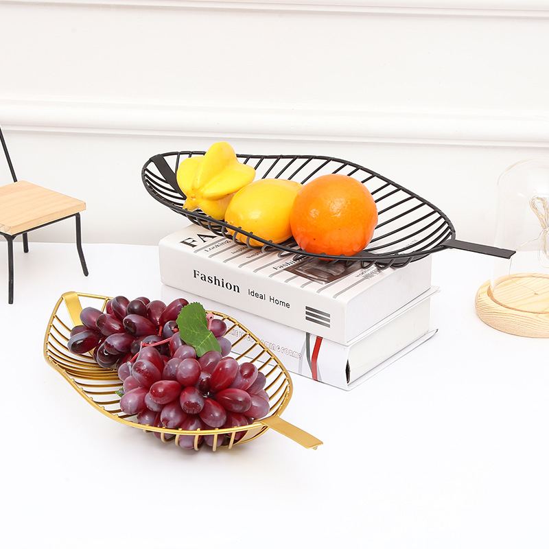 Nordic Iron Gold Leaf Shaped Tray Creative Fruit Snack Bread Sundries Organizer Livingroom Table Fruit Decoration Storage Basket