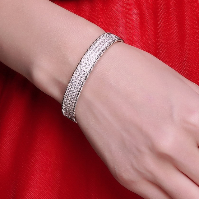 Circle bangle bracelet high quality crystal bracelet New Jewelry Cubic Zirconia Bracelet White gold/ Plating Bangle
