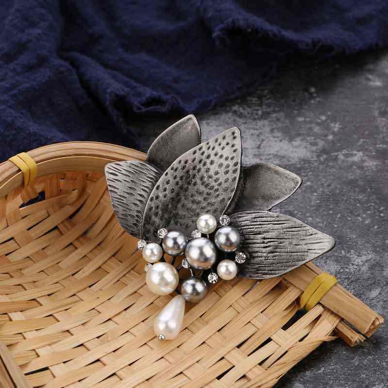Vintage Bunga Bros Berlian Imitasi Pin dan Bros untuk Wanita Retro Perak Batu Alam Mutiara Bunga Bunga Bros Perhiasan Gaun