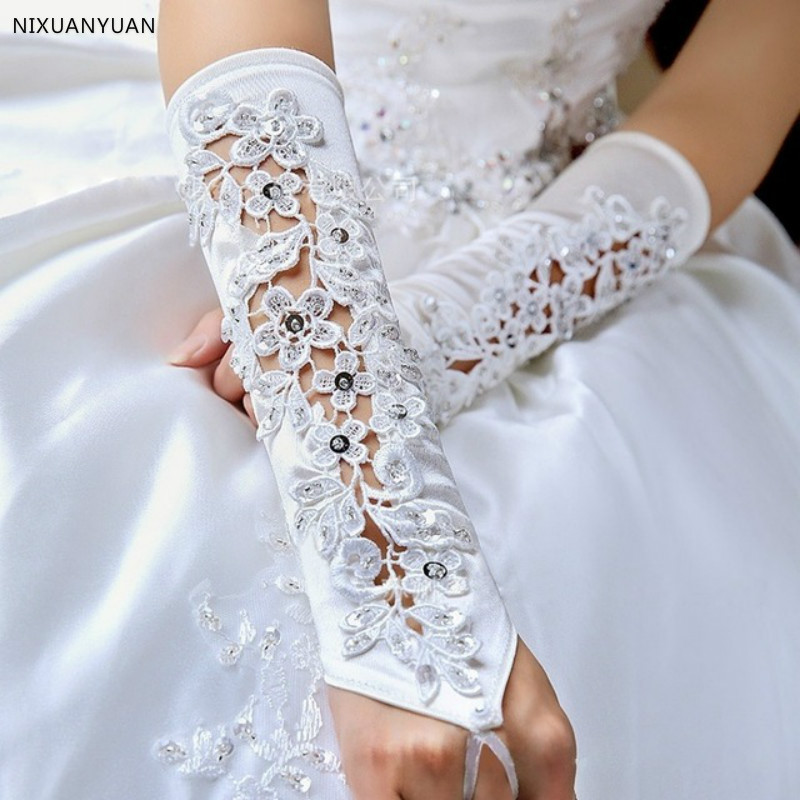 Free Shipping White Wedding Gloves 2020 Satin Appliques Beaded Bridal Gloves