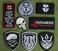 8 pcs Paramédico Tyrant Crânio Punisher Patch Bordado 3D Gancho E Loop Correções Táticas de Combate Do Exército Militar Armband Emblema