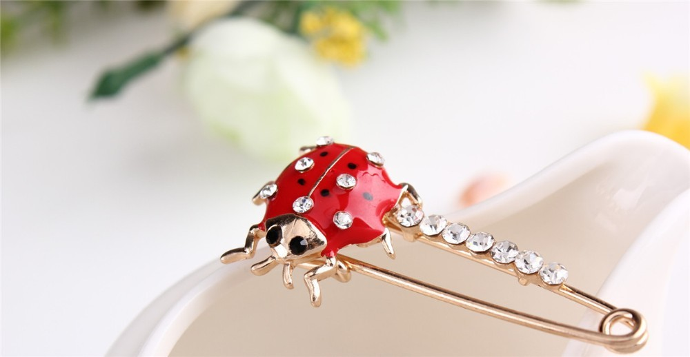 red-and-black-spotted-ladybug-brooch-with-black-and-white-rhinestones-16