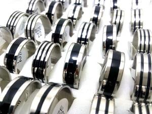 Image 2 - 100 個バルクロット 8 ミリメートル 316L ステンレス鋼結婚指輪黒エナメルリング男性ジュエリー