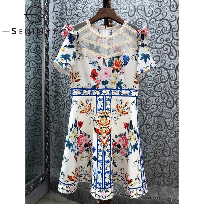 Kadın Giyim'ten Elbiseler'de SEQINYY Mini Elbise 2019 Yaz Yeni Moda Tasarım Yüksek Kalite Kısa Kollu Eklenmiş Dantel Aplikler Çiçekler Baskılı Beyaz'da  Grup 1