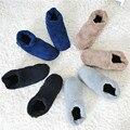 Envío gratis 2016 nuevos hombres de interior zapatillas de suela blanda, suaves y cálidos antideslizantes Hogar piso zapatillas, zapatillas de Los Hombres