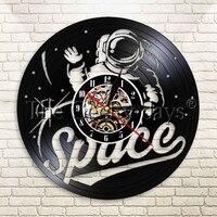 1 Stuk Ruimte Kamer Wandklok Spacesuit Vintage Vinyl Record Klok Astronaut Decoratieve Handgemaakte Klok Cadeau Voor Ruimtevaarders