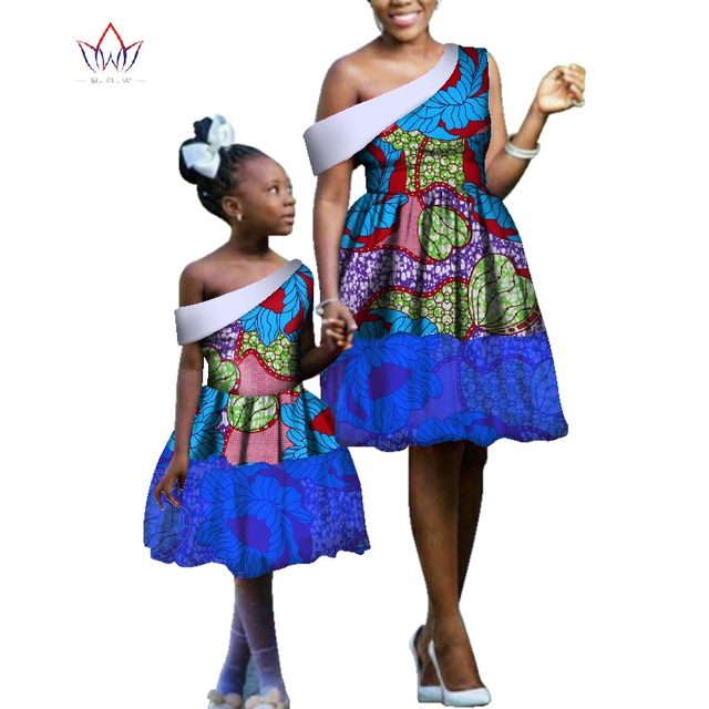 4b9c1ebcd9 2018 Summer dashiki african dresses for women and kids african clothing  knee length african dresses for girls bazin dress WYq110
