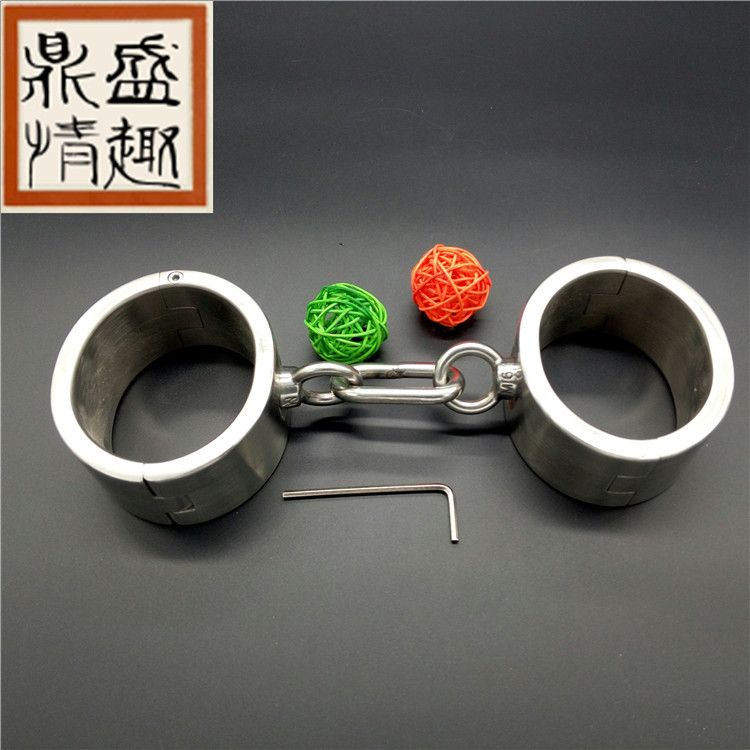 Stainless Steel handcuffs for sex  Bondage Restraints metal steel handcuffs sex slave bdsm bondage set sex toys for couplesStainless Steel handcuffs for sex  Bondage Restraints metal steel handcuffs sex slave bdsm bondage set sex toys for couples