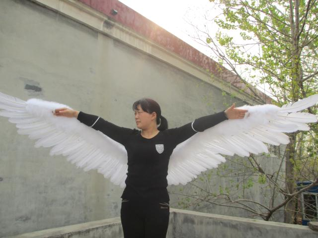 Custom Unique Sexy white large size Angel Feather Wings for adult women Wedding Party Decoration props
