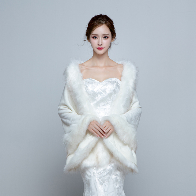 Women's Elegant Warm Wrap Capes Faux Fur Wedding Party/Evening Winter Solid Thick White Red