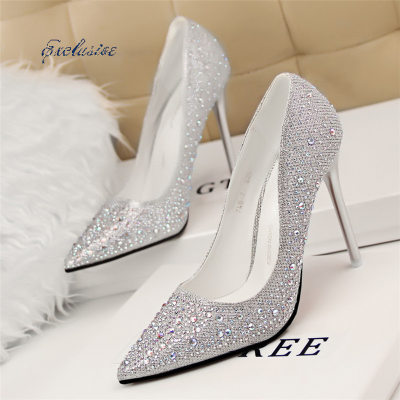 White And Silver Heels - Qu Heel
