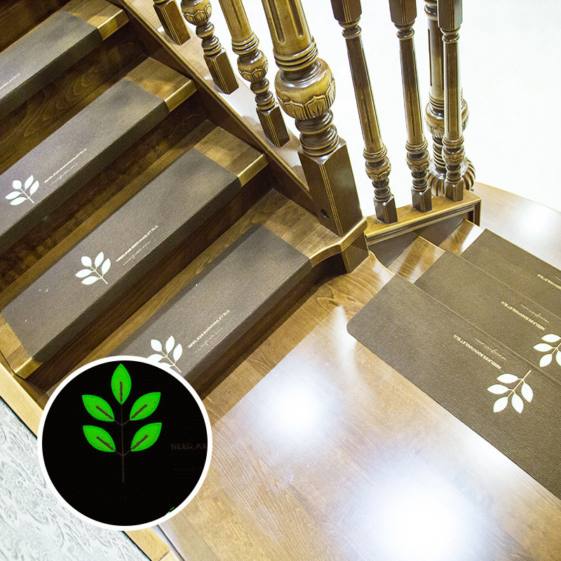 Five leaves stair pedal pad staircase sticker carpet glue free self-adhesive PVC anti-skid pad repeated washing