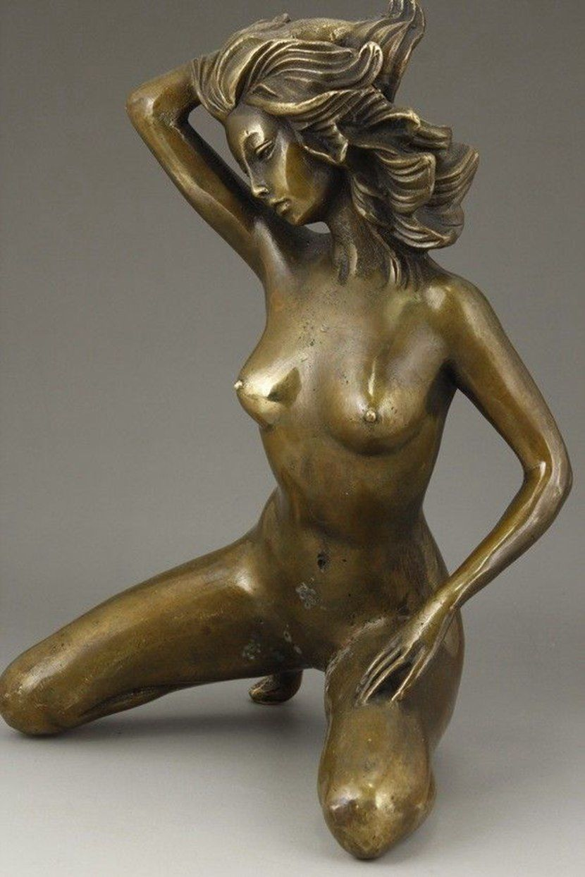 CHINESE BRONZE HANDWORK CARVING NUDE BELLE LOVE ART STATUECHINESE BRONZE HANDWORK CARVING NUDE BELLE LOVE ART STATUE