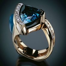 2019 New Fashion Blue Crystal Zircon Stone Ring Male Female Rose Gold Wedding Jewelry Promise Engagement Rings For Men And Women(China)