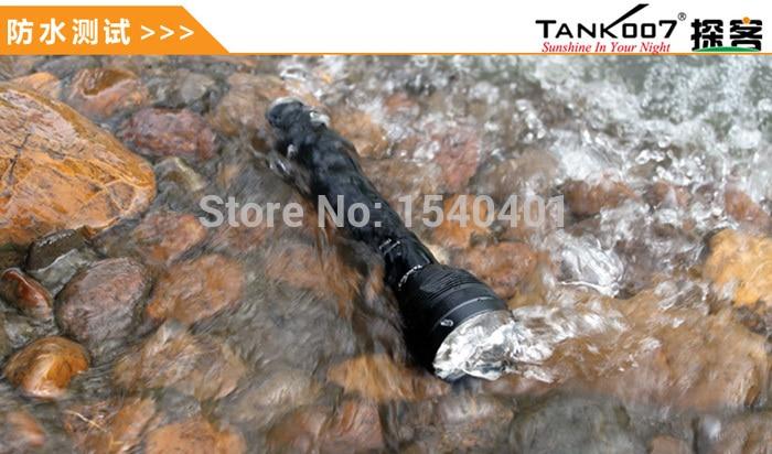 Tank007 TR218 plus puissant aimant rechargeable led lanterne randonnée lampe de poche 18650