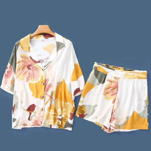 b65d2ad62336 Новая летняя Пижама с цветочным принтом, атласный коротким рукавом, одежда  для сна, женская пижама, шорты, пижама домашняя одежд