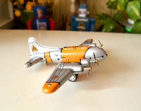 Clockwork classic retro tin toys Rare Clockwork Flying Fortress aircraft Collection