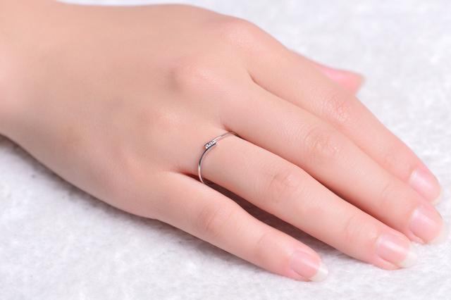 18K White Rose Gold (Au750) Natural Real 0.02 CT Certified H / SI Diamond  Wedding Band Ring