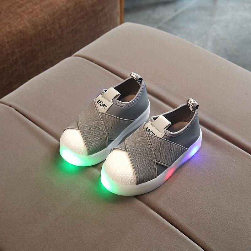KKABBYII Kids LED Zapatillas Transpirable Niños Zapatos Deportivos Para Los Bebés Varones Zapatos Luminosos con Luz Tamaño 21-30