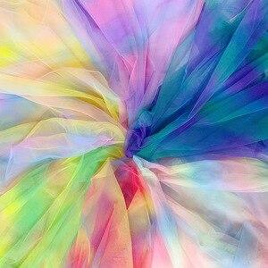 Image 1 - 5yards/lot Gradiente Arcobaleno Tulle Tessuto di Maglia per il Vestito Da Partito Panno Netto Tissu Morbido Pettiskirt Velo Abito di Sfera tutu Organza Tessuto