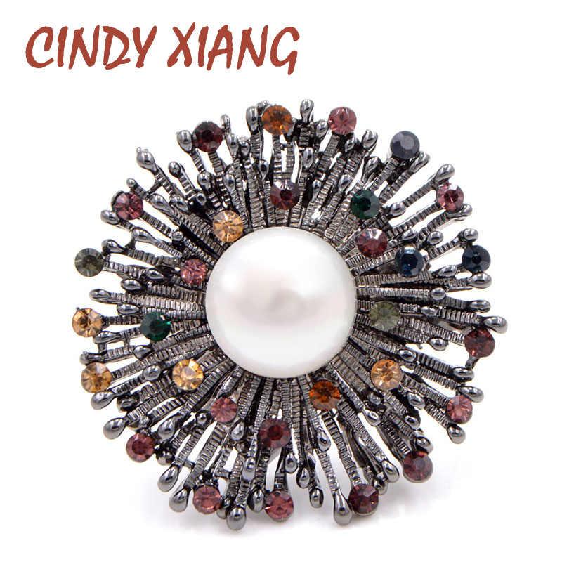 Cindy Xiang Baru Berlian Imitasi Bunga Bros untuk Wanita Perhiasan Mutiara Pesta Pernikahan Pin Bros Musim Dingin Gaya Elegan Pin