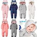 2015 Novas marcas Do Bebê Da Menina Do Menino Roupas de Inverno Espessamento Bebê Macacão de Lã Polar Recém-nascidos Macacão de Inverno Roupas de Bebê Com Capuz