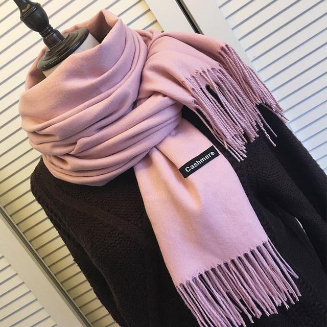 3fb2fe64f45a Femmes solide couleur cachemire foulards avec gland dame printemps automne  mince longue écharpe de haute qualité