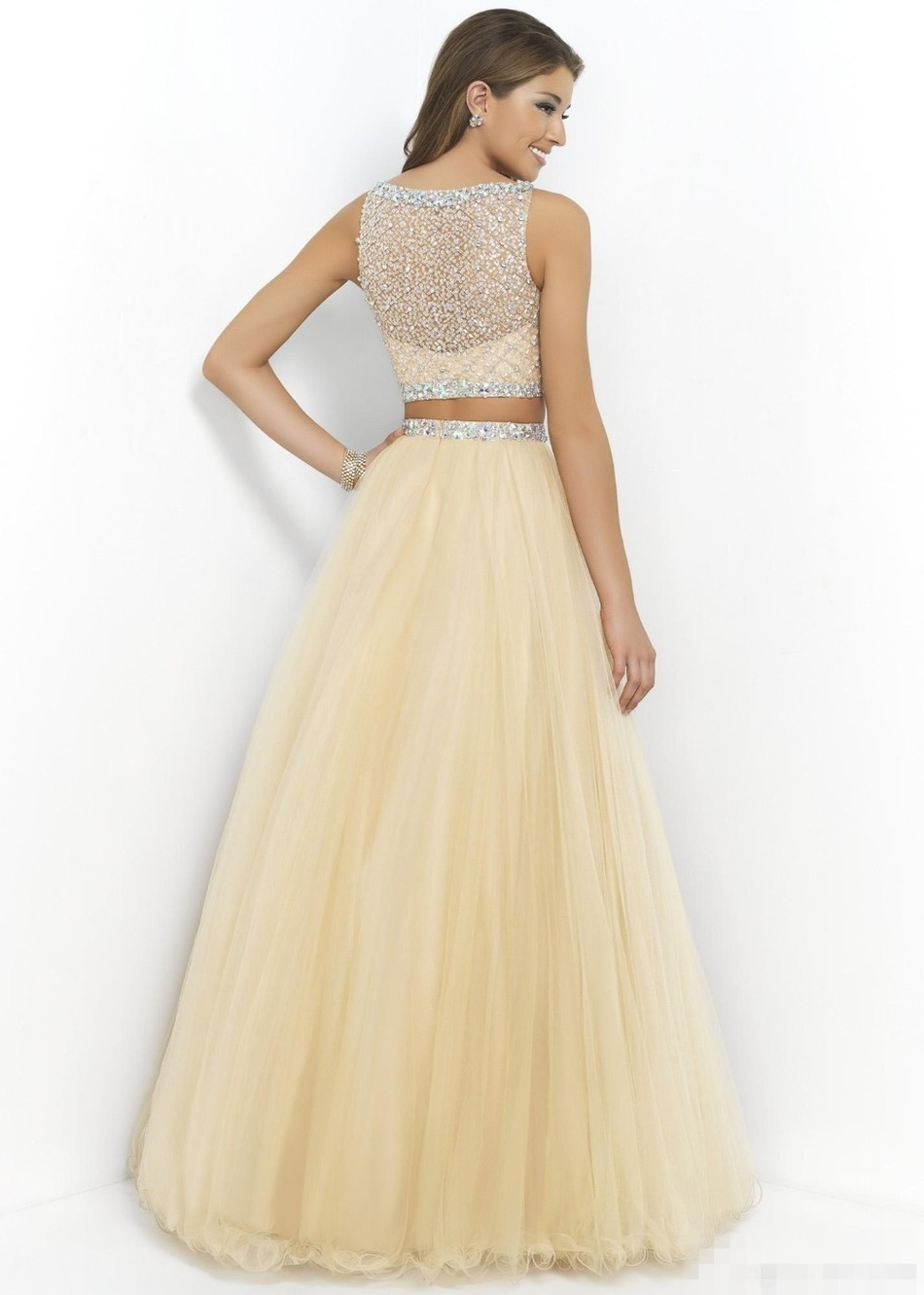 Top places to buy prom dresses