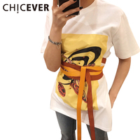 CHICEVER Yaz Kadınlar için Alien Baskılı Kadın T-shirt Üst Kısa Kollu T-Shirt Dantel up Tunik Üstleri Rahat Kore Giysi Beyaz