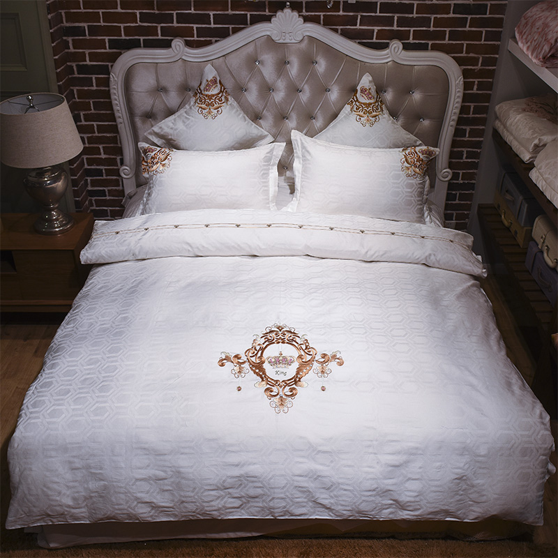 2017 Bedding Set Luxury Bedding Sets Egyptian cotton High Quality Jacquard and Embroidery Comfortable Bedding Duvet Cover sheet