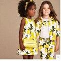 Roupas Da Moda 2016 Meninas Define Para A Primavera Menina 3 pcs Terno do Bebê Menina Define Algodão Floral Conjunto Flor Casacos + camisas + calças de Brim