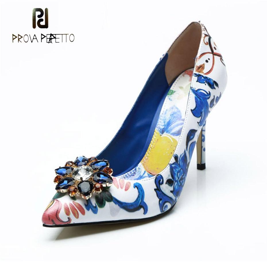 Prova Perfetto 2018 hot ethnique fleur impression cristal designer femmes pompe bout pointu mince talon haut peu profond dame robe de soirée chaussure