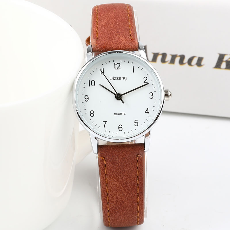 New Simple Small Fashion Quartz Watch Exquisite Women Clock Popular Brand Casual Leather Watches Retro Ladies Quartz Wristwatch