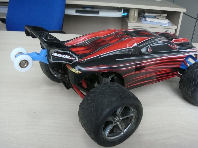 Remote control car parts wheelie bar with 2 wheel Suitable for TRAXXAS 1 16 E REVO