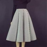 Autumn black and white vertical striped tutu skirts autumn long section retro space cotton